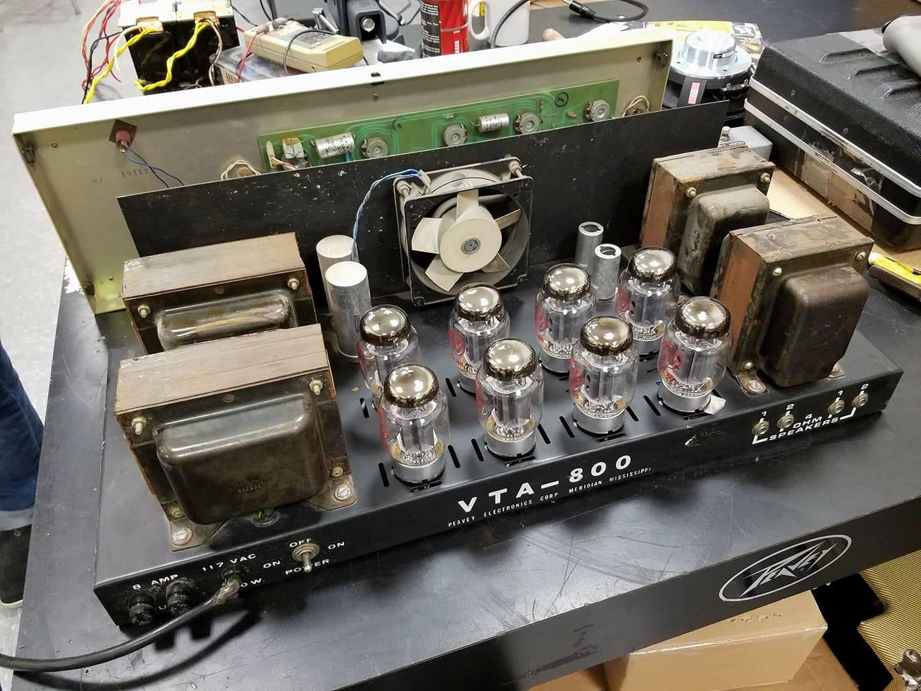 Peavey VTA-800 Inside