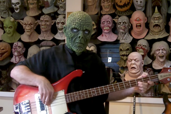 "Troy Hughes: Bass Cover of ""La Caccia"""