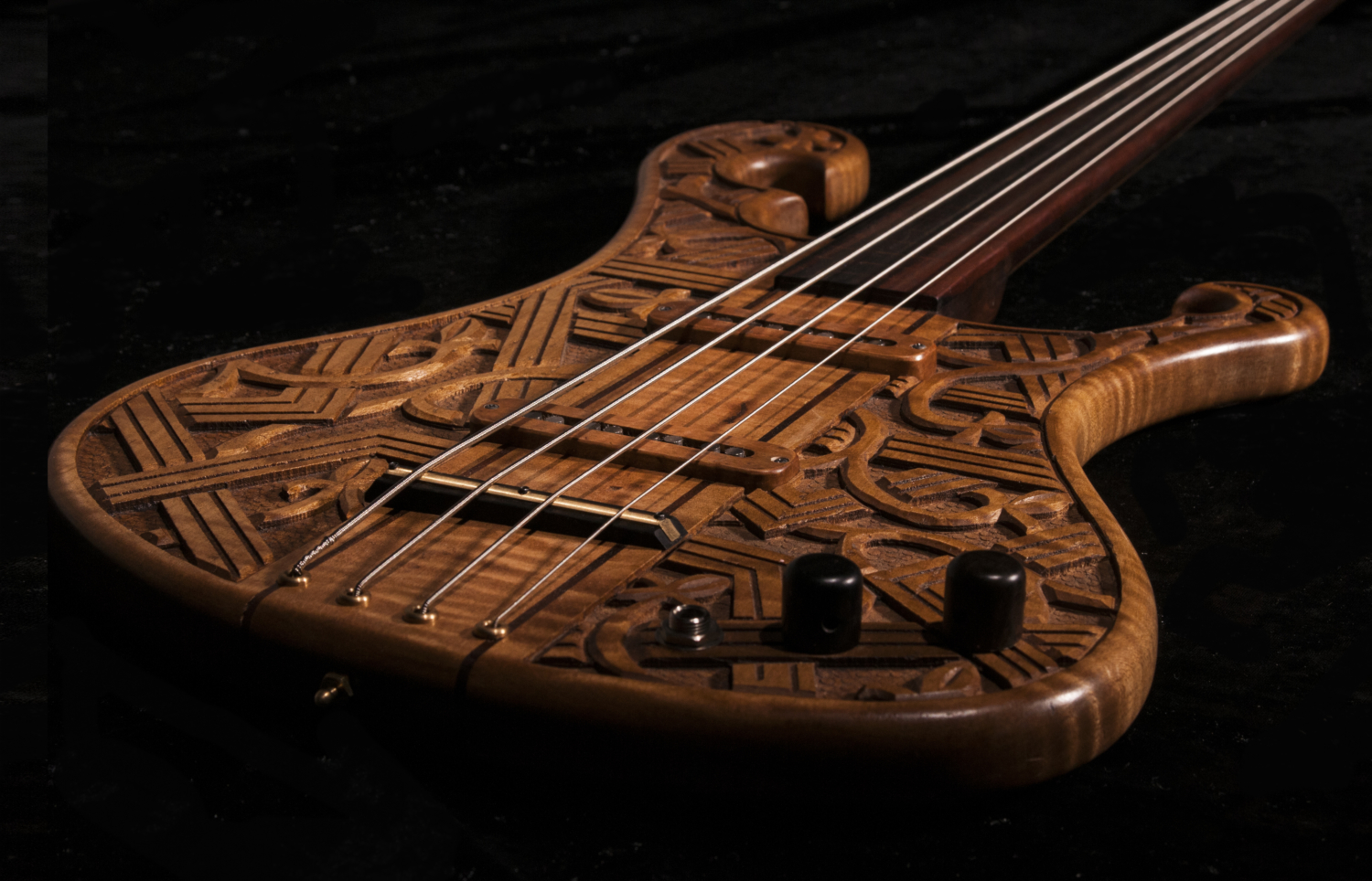 Crom Custom Shop Romantic Warrior Bass Body Angle