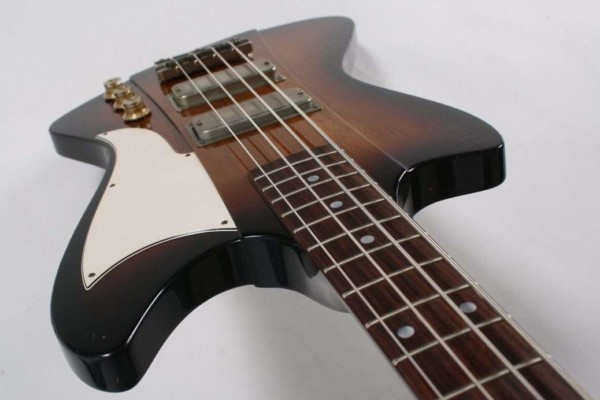 De Gier Guitars Unveils The Lowlander Bass