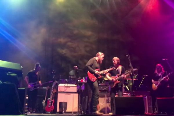 "Tedeschi Trucks Band: Tim Lefebvre's Bass Solo on ""Mountain Jam"""