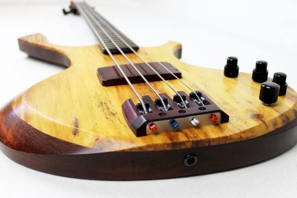 Bass of the Week: Fleeting Guitars Tsukanoma