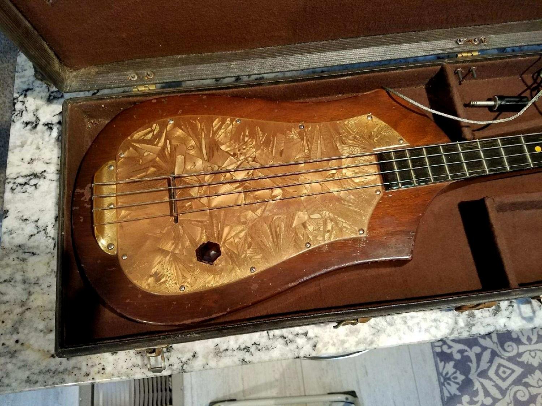 Audiovox #736 Bass Body