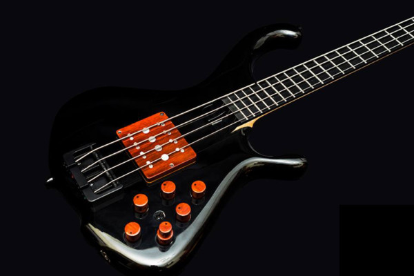 Bass of the Week: Egilegor Basses Biadar 4