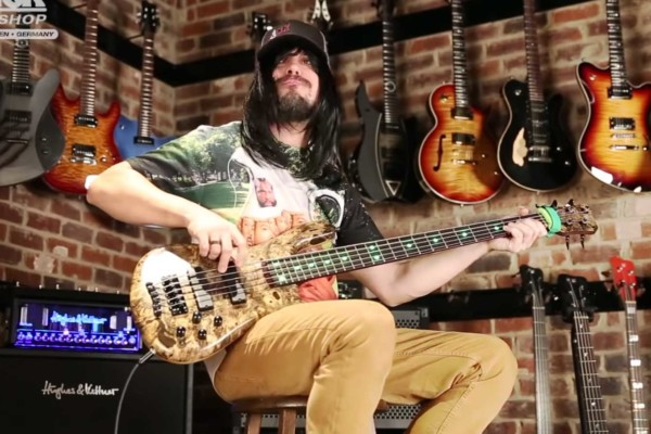 "Nick Schendzielos: Bass Playthrough of Havok's ""Hang 'Em High"""