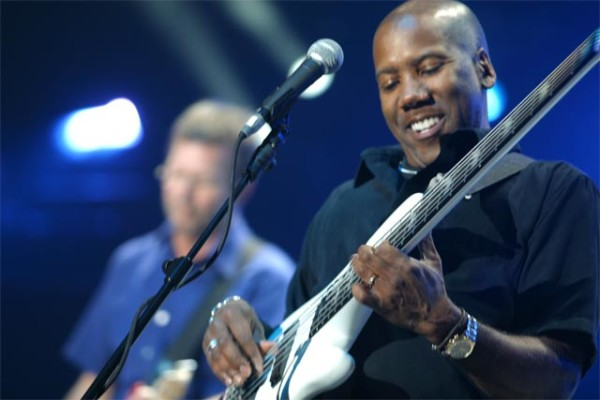 Eric Clapton Announces Brief Tour with Nathan East