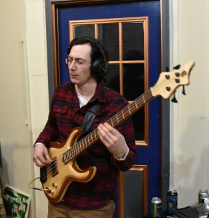 Cosmic Woodworking Jupiter Bass with player
