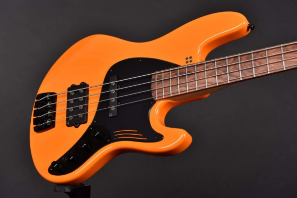 Sandberg Guitars Unveils the Limited Edition California Grand Dark Bass