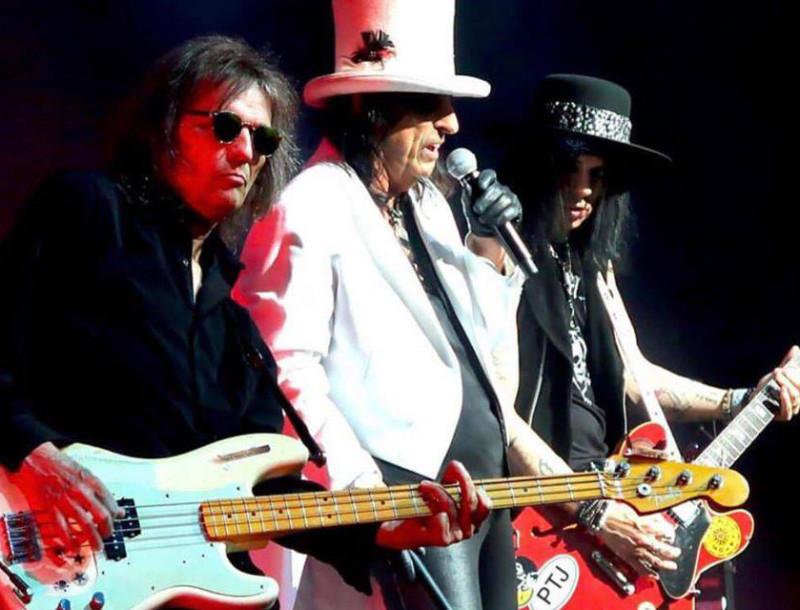 "Bass Transcription: Dennis Dunaway's Bass Line on ""No More Mr Nice Guy"" by Alice Cooper"
