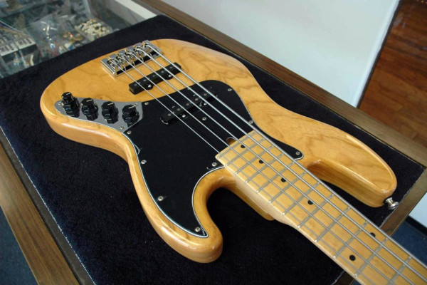 Bass of the Week: Mike Lull Custom Guitars M4V/M5V