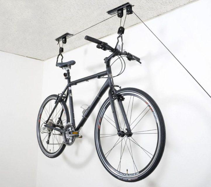 8 fa ons d accrocher son v lo au mur vint 39 age of bikes. Black Bedroom Furniture Sets. Home Design Ideas