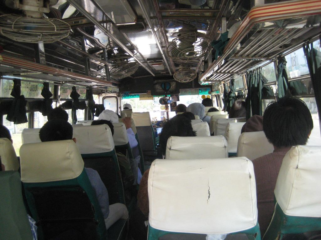 Bus thaïlandais local