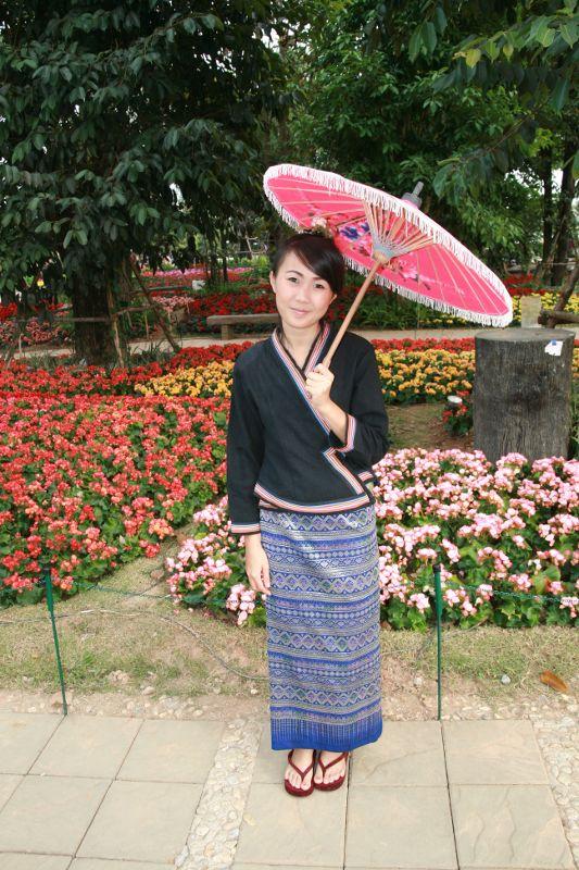 Hôtesse du festival de fleurs