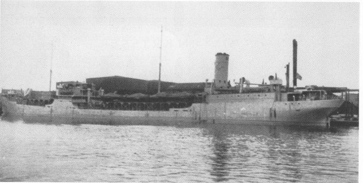 «Morgenen» ankommer Manchester under krigen i full krigsskrud. Skipet førte ofte flybensin. Det hadde 16-20 kampfly på to oppbygde flydekk. «Morgenen» og kaptein Samuel Isaksen seilte i alle krigsårene uten å bli torpedert.