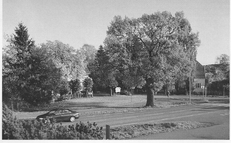 """""""Eika"""". Bebyggelsen omkranser """"rundkjøringen"""" som ble planlagt i 1921. Foto: Svein Hermansen."""