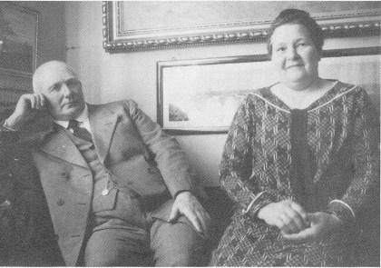 Jens W. og Henny Bjønness. (Foto utlånt av Jan Gunnar Bjønness, Arendal.)
