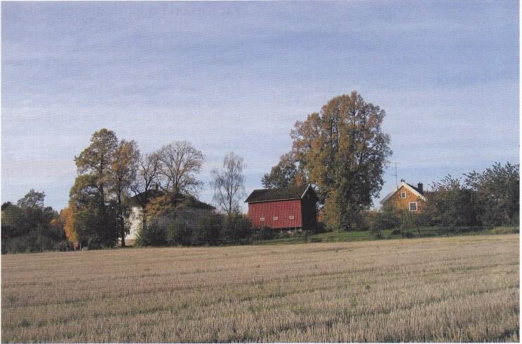 Nøtterøy prestegård sett fra nordøst. (Foto: Svein Hermansen)