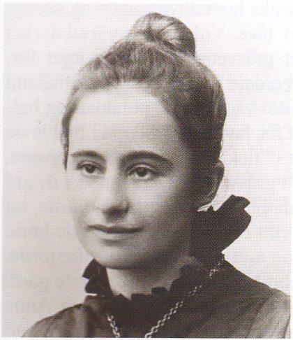 Den unge Tilla Mathilde Christiansen. (Foto utlånt fra Asker Museum)