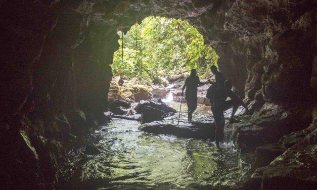 Las Cavernas y Cascadas Yanayacu