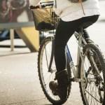 Obres de millora al carril bici del carrer de la Jota