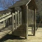 L'Ajuntament reformarà el parc infantil de la plaça de la Torre Llobeta