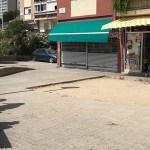 Una zona infantil sense jocs a Ciutat Meridiana