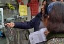 Un concurs d'endevinar frases fetes catalanes al comerços de Valldaura