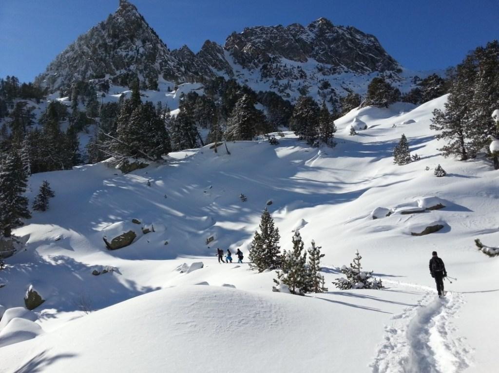 Senderisme amb raquetes de neu