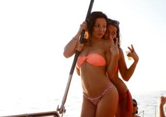 Imatges d'una party-boat aquest estiu