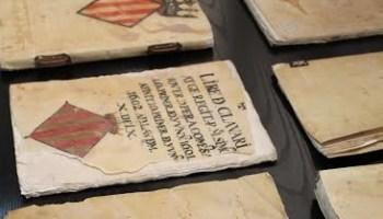 Resultat d'imatges de llibre medieval arxiu historic eivissa