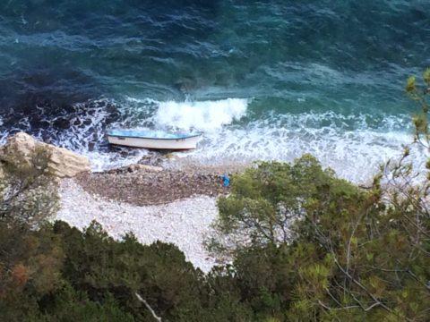 Imagen de una patera localizada en Ibiza