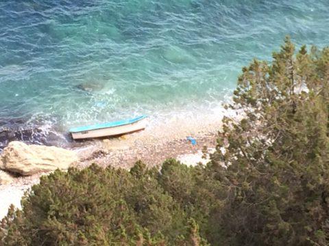 Imagen de una patera hallada en Ibiza