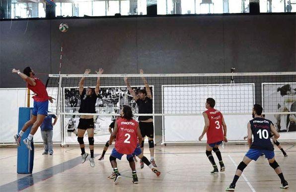 Una acción del partido disputado en el CDM Entrevías de Madrid.