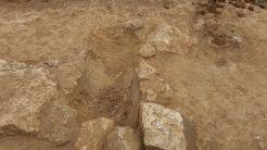Lugar en el que se hallaron los restos infantiles inhumados en una ánfora