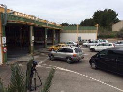 Vehículos pasando la ITV en Ibiza.