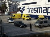 Al menos tres ambulancias se tuvieron que desplazar al puerto. Foto: Juan Martín Restituto