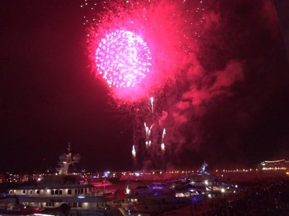 Imagen de los fuegos artificiales de la fiesta del Vuit d'Agost.