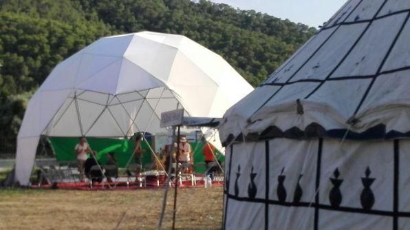 La presentación de la nueva carpa de Circular en Cala Llonga.