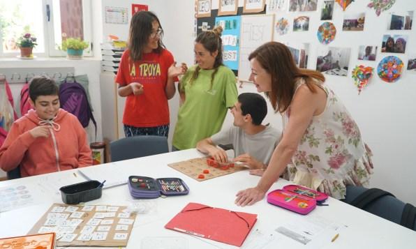 Francina Armengol visita el centro de Amadiba en Sant Josep. Foto GOIB