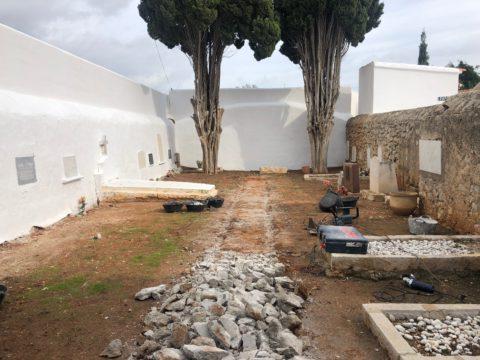 Exhumación de las fosas del cementerio viejo de ses Figueretes.
