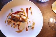 Canelón de pollo payés, papada de cerdo negro ibicenco y bechamel de setas con fondo rústico
