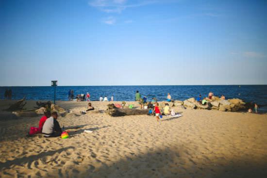 kaboompics_People_on_the_beach