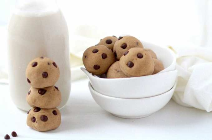 easy, 3-ingredient cookie dough dessert bites feature
