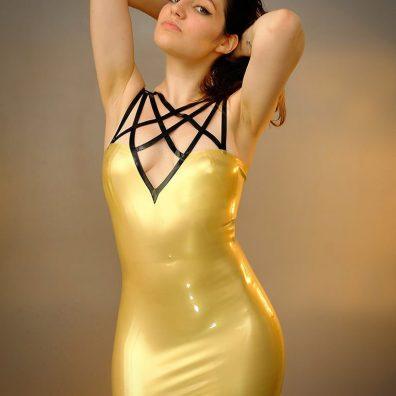 Robe pentacle de mademoiselle Ilo - NXPL