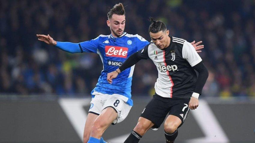 Prediksi Bola Napoli VS Juventus - Nova88 Sports