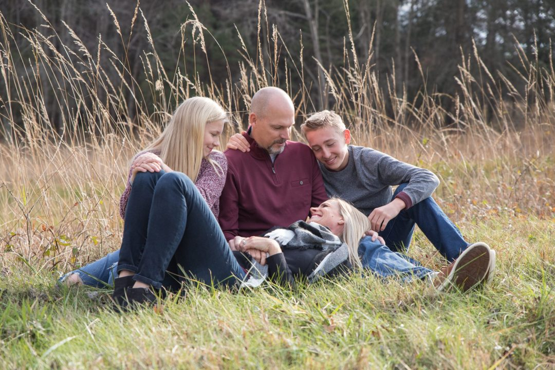 Lifestyle family photo at Manassas Battlefied