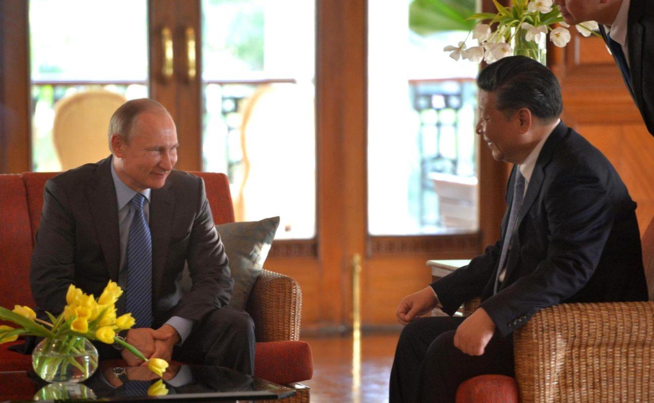 Les Présidents russe et chinois s'entretiennent en marge du sommet des BRICS.