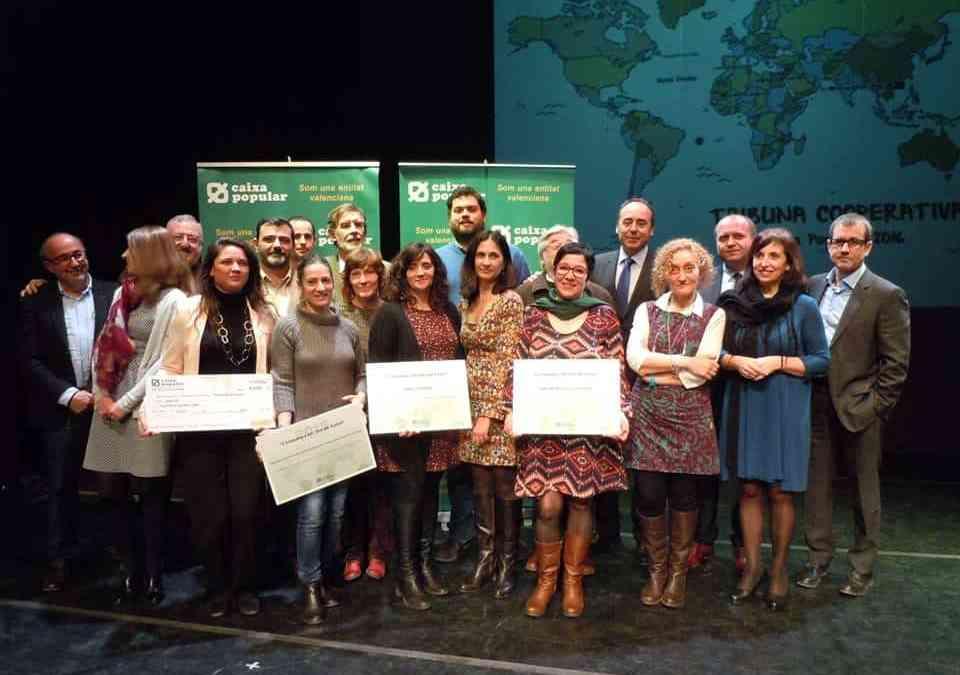 Caixa Popular entrega a Novaterra un cheque por valor de 4.000 €