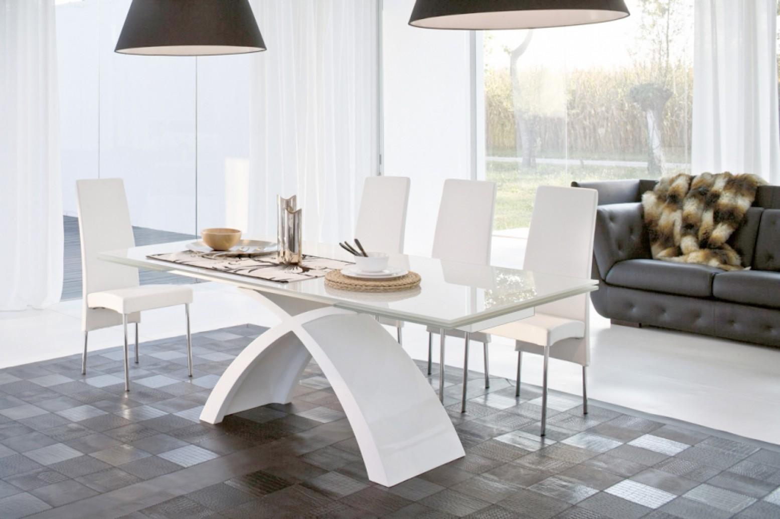 tokyo extendable dining table glossy white base matt white aluminum rails extra clear white glass top