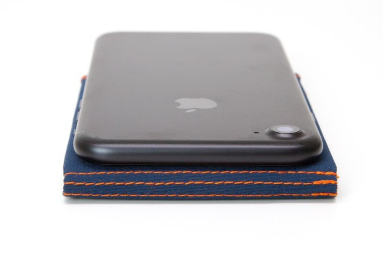 SlimFold Micro Soft Shell is about as thin as an iPhone